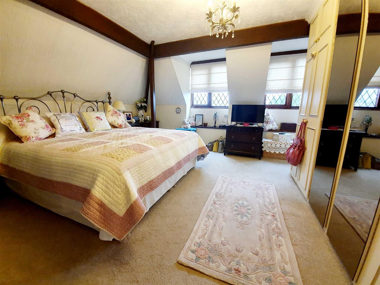 Tudor Court, Llanedi Pontardulais, Swansea, SA4 0YY